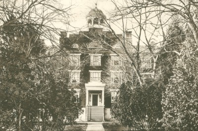 Seminary Old Dorm, 1915 era. Image courtesy Seminary Ridge Museum.