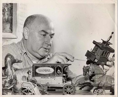"Edward Rosenfeld ""mayor of Tyson Street with his mechanical toys."" Courtesy of Licien Harris. 2000.72.4"