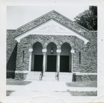 Shearith Israel Synagogue at Park Heights Avenue and Glen Avenue. 1987.137.15