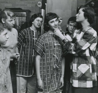 Around sixteen years later: Teens prepare to go onstage at the JEA. Left to right: Joan Levinson, Judy Brodsky, Betty Levy, Rhoda Wagner, Phyllis Erlich. 95.98.119