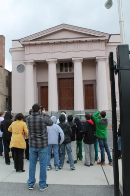 School children discovering the Lloyd Street Synagogue.