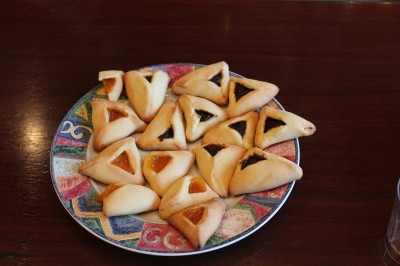 And, of course, the lekvar and apricot hamantaschen were made by me.