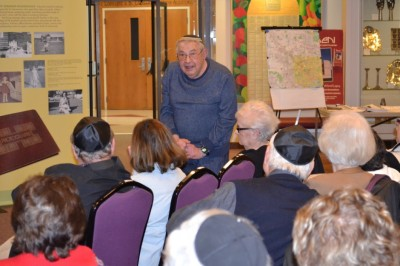 We were also treated to a little of the history of Beth Israel and its movements by Bernie Raynor.
