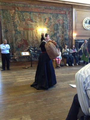 Anne Boleyn has a fight with her mother for the entertainment of 21st century guests.