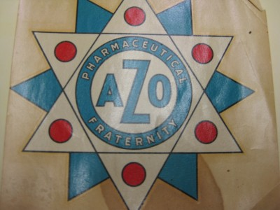 An AZO window sticker dating from the 1940s. Courtesy of the Kramer-Labovitz Collection, accession #2001.61.2