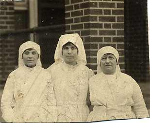 three Red Cross nurses, named Levin, Fuxman and Ribakow, 1990.44.2