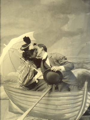 Abraham and Carrie Katz Weinberg, in Atlantic City (perhaps on their honeymoon?) around 1896, did not let accessories like hats and umbrellas get in their way. JMM 1991.65.3, gift of Edgar Wolf, Jr. for the Estate of Carolyn Weinberg.