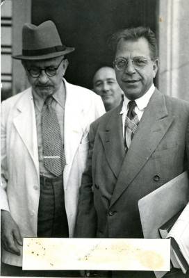Greenstein (right) visits with President Chaim Weitzman at the President's home in Rehovot, Israel, 1949. JMM 1971.20.233