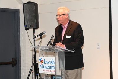 Robert Keehn sings the praises of our departing trustees. Photo by Jim Berger.
