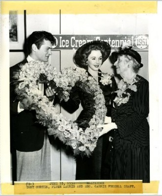 Movie stars Tony Curtis and Piper Laurie were also special guests at the event, here pictured with Carrie Fussell Craft, Jacob Fussell's then-84 year old daughter. They co-starred in the movie The Prince Who Was a Thief, which was released later that month.