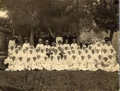Henrietta Szold with a class of nurses, December 21, 1921, Jerusalem. JMM 1989.79.24