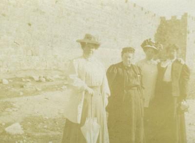 Henrietta Szold and Sophie Szold with two unidentified women in Jerusalem, 1910. JMM 1992.242.7.19