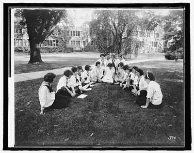 Labor summer school for women workers, Bryn Mawr College, Pennsylvania, 1916-1917. Courtesy of the Library of Congress.