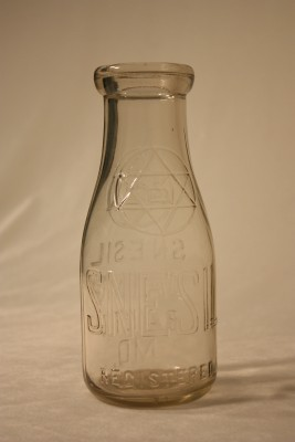 Pint bottle from Snesil Dairy. Courtesy of Marion Snesil. JMM 1984.16.1