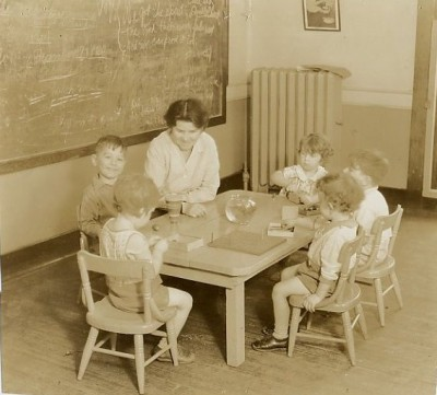 Mary Roten teaching at the Jewish Educational Alliance nursery school, c. 1930. JMM 1992.231.234