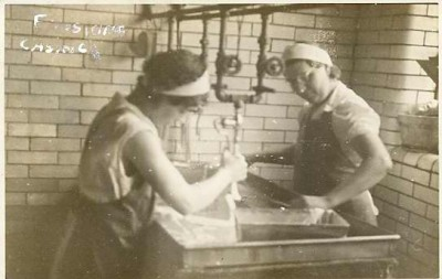 Polish women making sausage casing at Wolf Salganik & Sons, c. 1930. JMM 2004.27.2