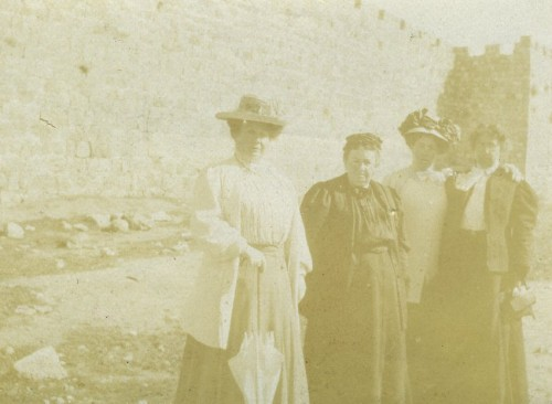 Henrietta and Sophie Szold with two unidentified women in Jerusalem during their 1909 trip. JMM 1992.242.7.19