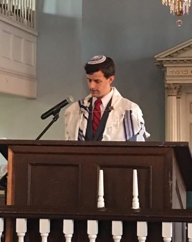 Giving the D'var Torah
