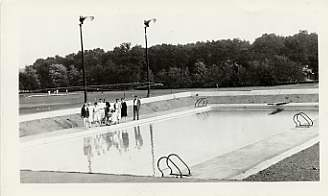 Suburban Club swimming pool, July 1927. Photograph by the Baltimore News. JMM 1985.35.3