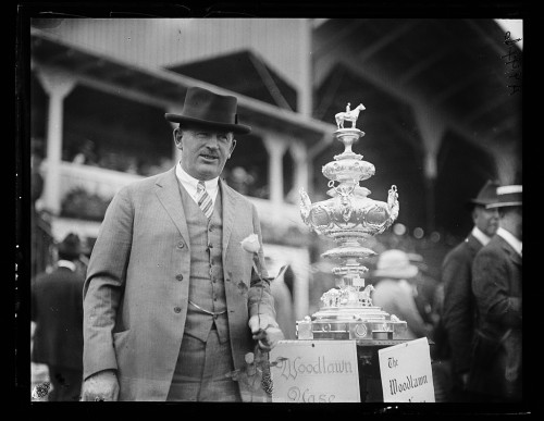 The Woodlawn vase, 1922. Photo by Harris & Ewing, courtesy of the Library of Congress.