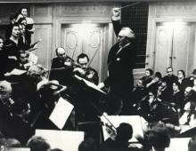 Kurt-Singer-conducting-220x170