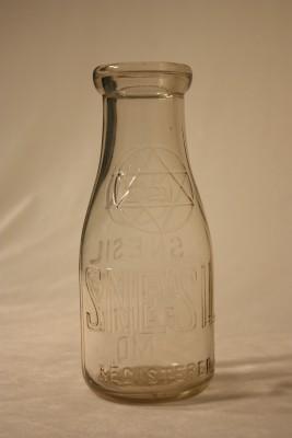 Pint bottle from Snesil Dairy. Courtesy of Marion Snesil. JMM 1984.16.1